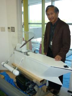 実験船について説明する太田先生