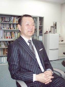 経営情報学科 加藤 鴻介 教授