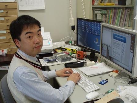 コンピュータで人間を研究したかったという伊丸岡准教授