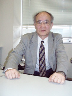 応用化学科 小松 優(こまつ ゆう)教授