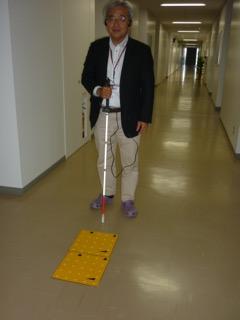 障がい者支援システムを説明する松井先生
